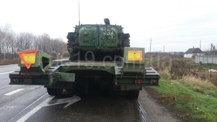 З'явилися світлини з місця автопригоди з військовим тягачем на Мелітопольщині (ФОТО)