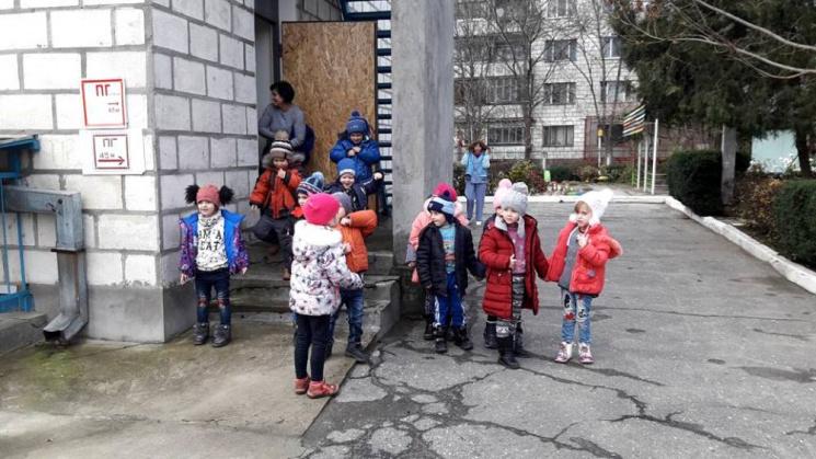 В Ізмаїлі з дитячого садочка евакуювали майже 160 вихованців (ФОТО)