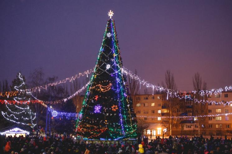 19 грудня у Горішніх Плавнях відкриють міську ялинку