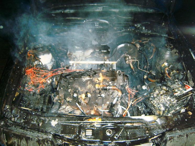 На Черкащині в одному районі згоріли дві автівки