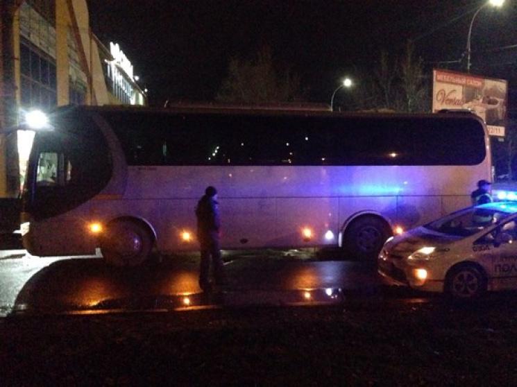 """У Миколаєві автобус на """"зебрі"""" переїхав жінку (ФОТО)"""