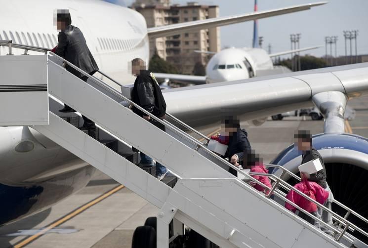 На России хулиганы задержали самолет на…
