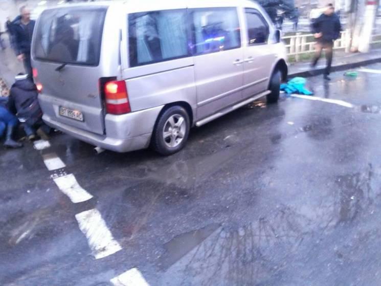 У центрі Херсона сьогодні вдень сталося смертельне ДТП (ФОТО)