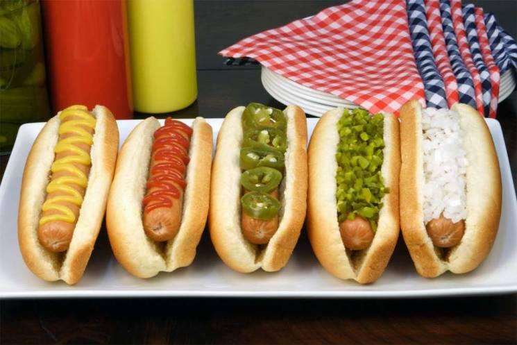 История на тарелке: Что общего у хот-дога и собаки