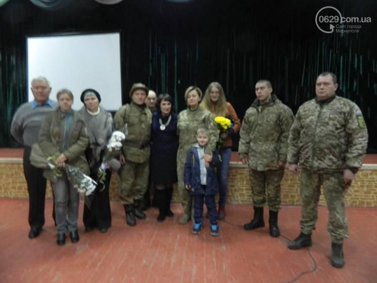 У Маріуполі вручили нагороди родичам загиблих героїв (ФОТО)