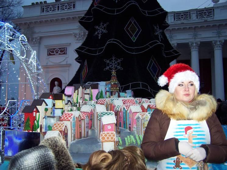 Зажглись огни на основной елке Одессы