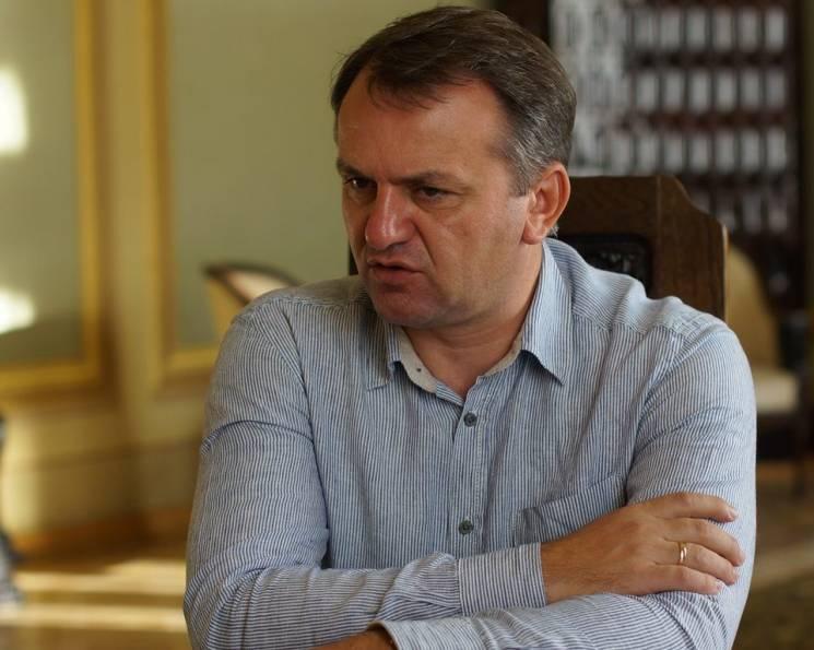 """Нельвівські будні львівського губернатора: Куди """"катався"""" по роботі та як відпочивав Синютка"""
