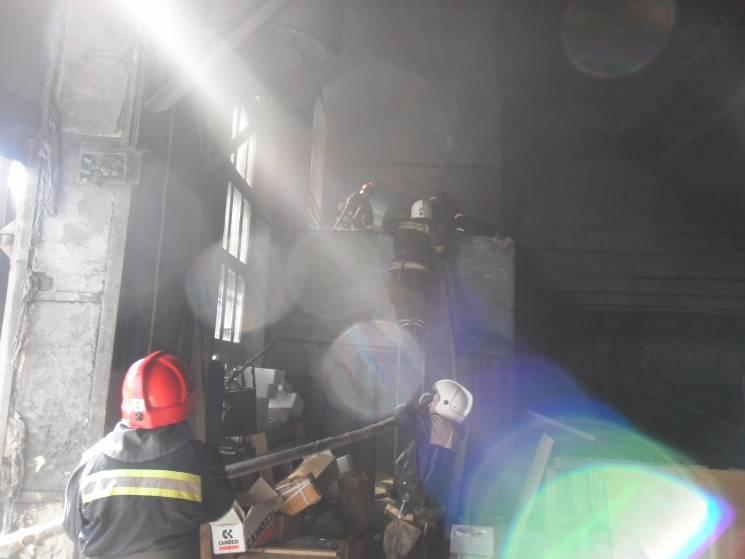 На Черкащині рятувальники винесли з палаючого будинку 15-річну дівчину