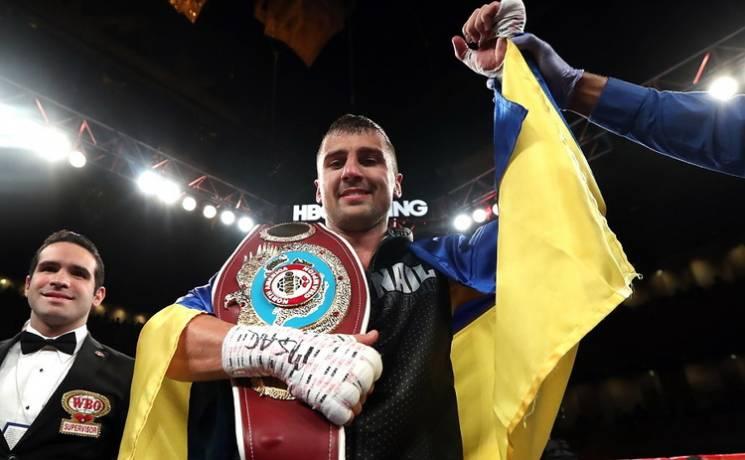 Харківський боксер Гвоздик відібрав титул чемпіона WBC у канадця: Відео нокауту