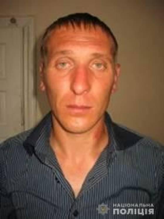 Поліція Тернопільщини розшукує чоловіка, що до смерті забив товариша по чарці