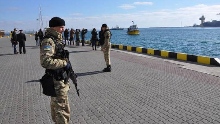 """Воєнний стан на Одещині: Скасування виборів, активізація """"тітушок"""" та пристрасті через """"Вікторію"""""""