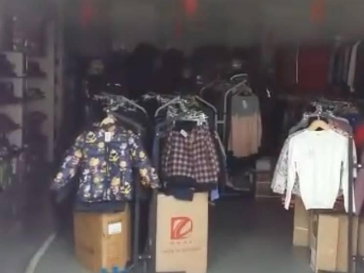 У Сумах через несправний кондиціонер ледь не згорів магазин (ВІДЕО)