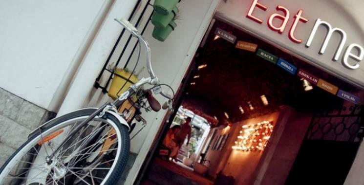 Сімейка запорізького нардепа скуповує ресторани в анексованому Криму, окупантам – знижки, - ЗМІ