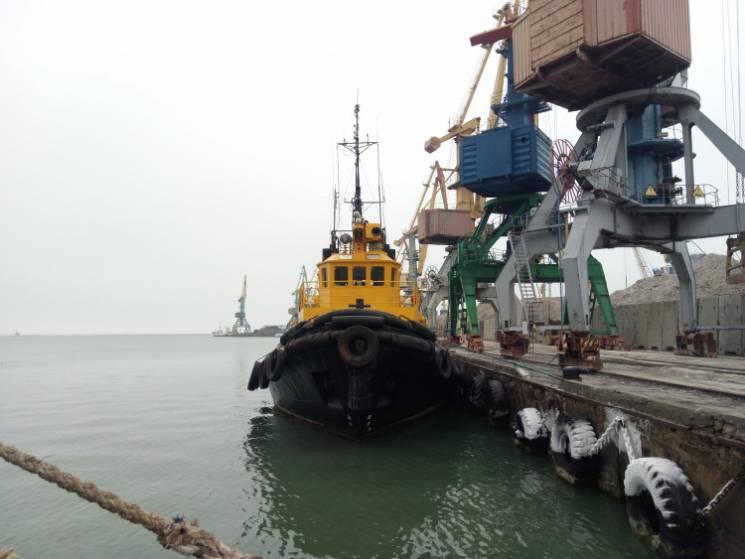 Російська агресія в Азовському морі: Як виживають порти Маріуполя і Бердянська