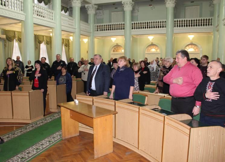 Одинадцять волонтерів з Хмельниччини отримали президенські відзнаки
