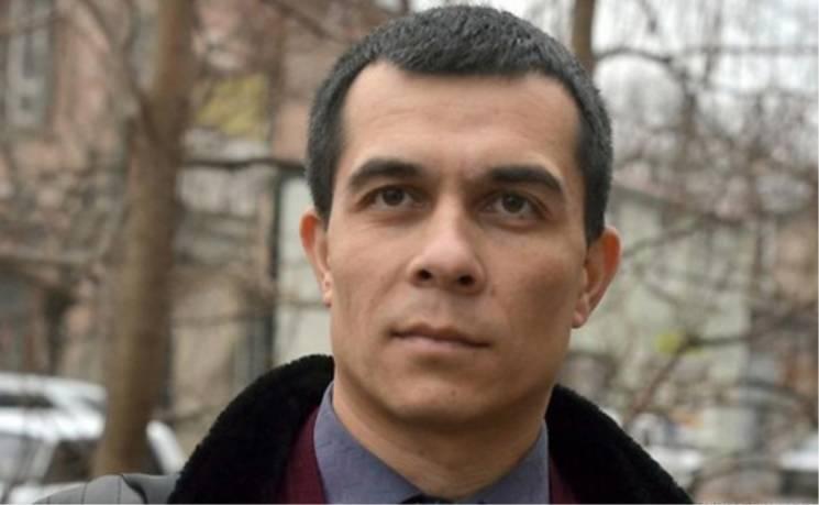 Вичавлюють з Криму: Чому кинули за грати адвоката полонених моряків Еміля Курбедінова