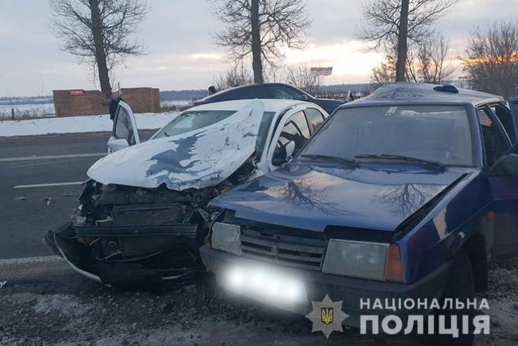 У ДТП на Тернопільщині травмувався поліцейський (ФОТО)