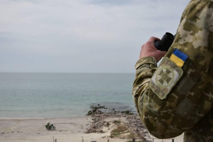 Окупанти знову заблокували українські кораблі у Керченській протоці