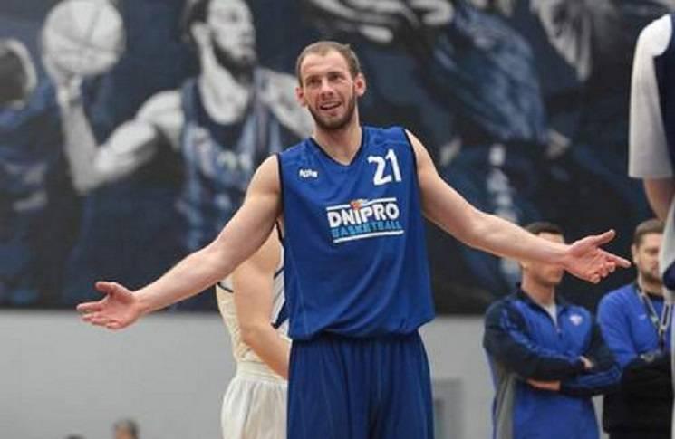 """Баскетбольний """"Дніпро"""" втратив лідера"""
