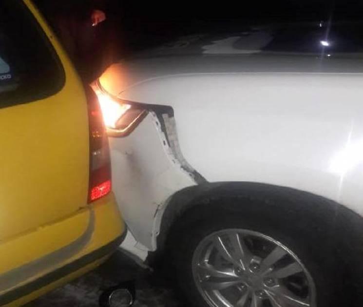 На Вінниччині п'яний водій пошкодив службовий автомобіль поліції (ФОТО)