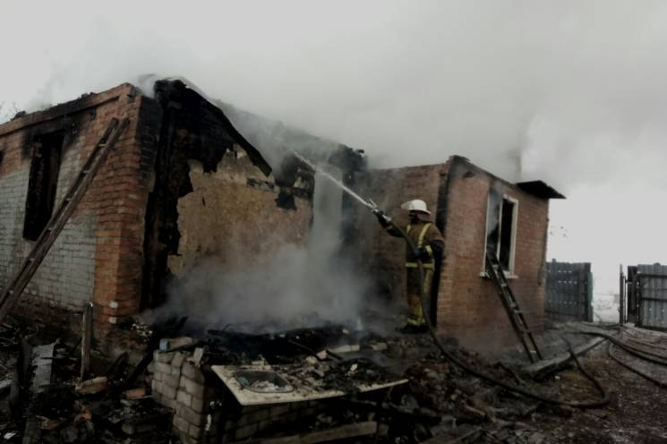 На Харківщині під завалами будинку знайшли загиблу (ФОТО)