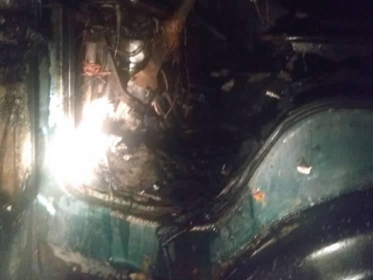 """На автодорозі """"Полтава-Олександрія"""" спалахнула вантажівка"""