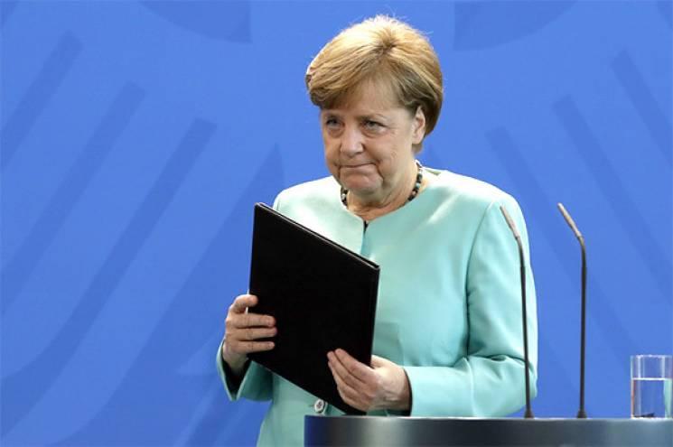 Меркель вимагає від Путіна звільнити українських моряків