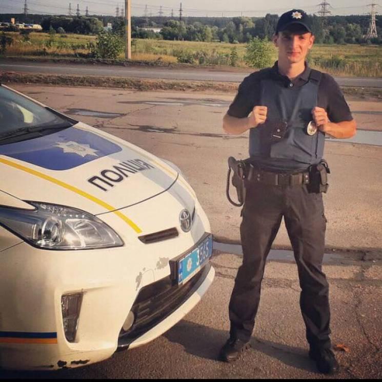 Дякую ФСБ, дякую Путіну: Харківський екс-патрульний тішиться, що отримав російський паспорт (фото)