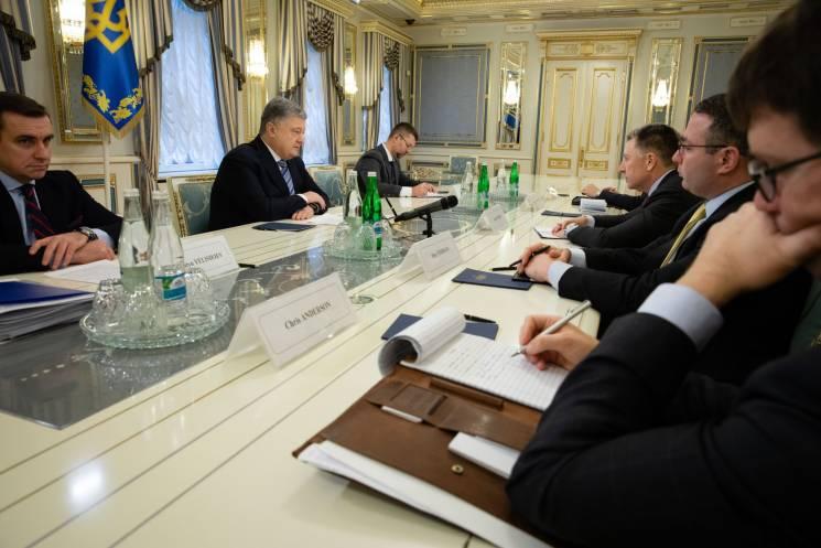 Порошенко розповів про зустріч з Волкером (ФОТО)
