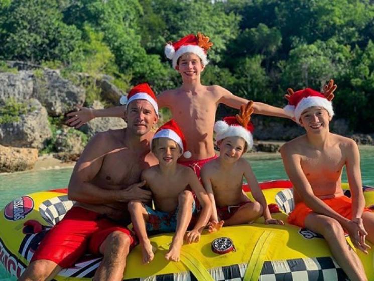 На морі і в горах: Як українські футболісти вітають вболівальників з католицьким Різдвом