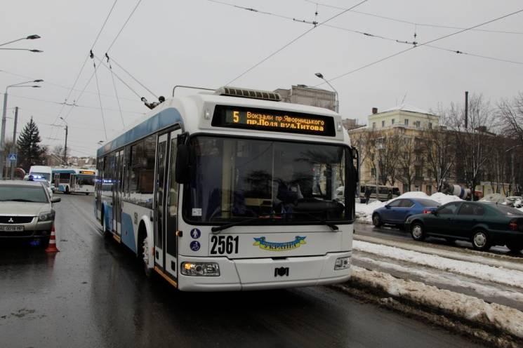 У Дніпрі запустили подовжений до вокзалу маршрут тролейбусу