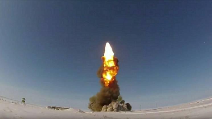 """Страшна і невловима для ПРО: Що в США пишуть про російську гіперзвукову ракету """"Авангард"""""""