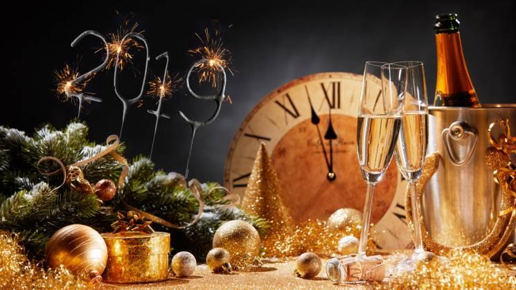 """Свято наближається: Як """"пережити"""" новорічно-різдвяні застілля"""