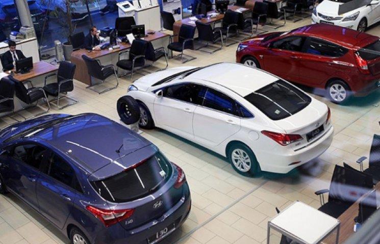 В українців немає грошей на нові авто: продажі впали майже в п
