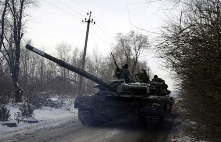 Бойовики заповнюють втрати під Дебальцевим: прибули десятки танків і ББМ