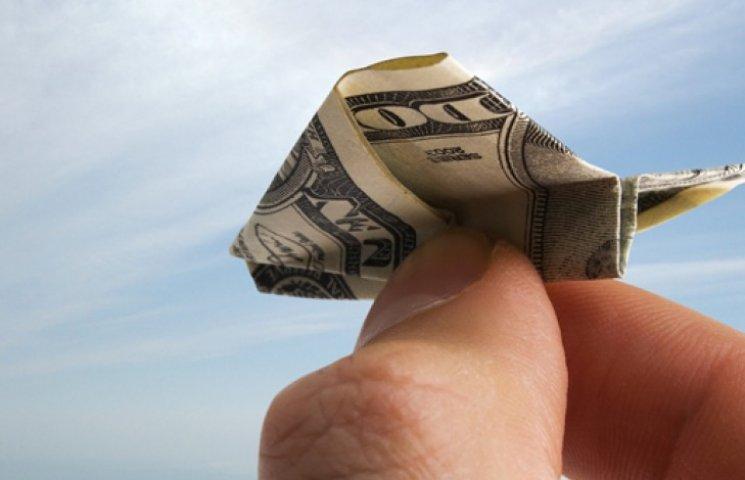 Долар на міжбанку перевалив за 17 грн