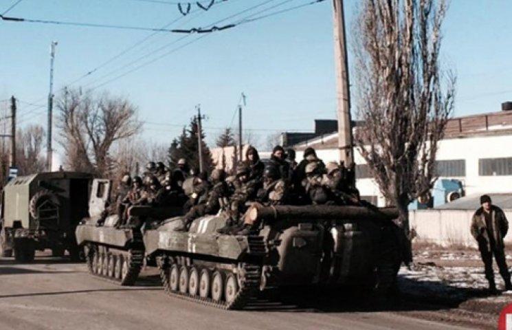 Порошенко: З Дебальцевого вийшли 80% українських військових