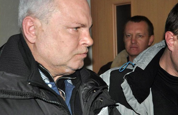 Экс-мэр Керчи арестован на два месяца. Он скрутил кукиш журналистам