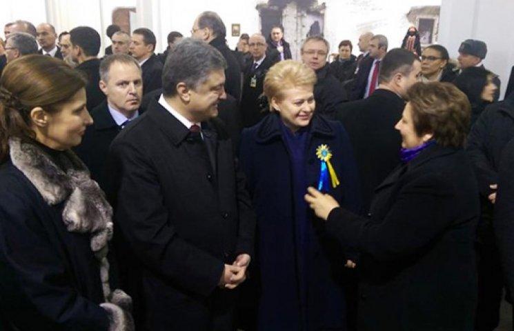 Європейські лідери в центрі Києва оглянули підбиті російські танки