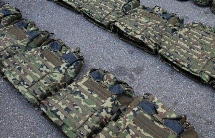 З Нідерландів доставили 5,7 тонн обмундирування для українських військових