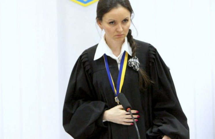 Судья Печерского суда неделю скрывалась от следователей в совещательной комнате