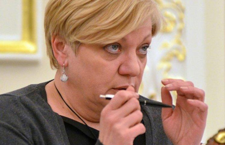 Яценюк сорвался с Кабмина к Порошенко из-за Гонтаревой