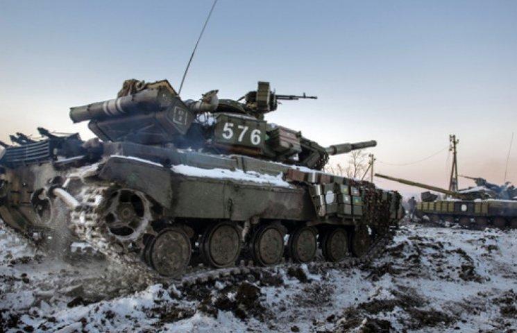 Украина начинает отвод тяжелого вооружения в зоне АТО –  Генштаб