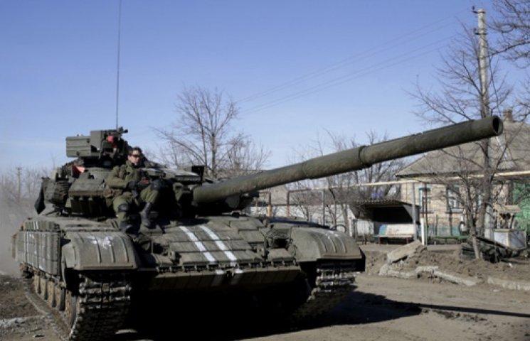 ЗСУ почали відведення техніки на Донбасі