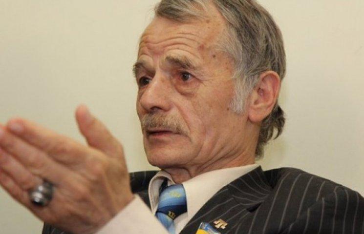 Джемілєв переконував Порошенка повністю блокувати Крим