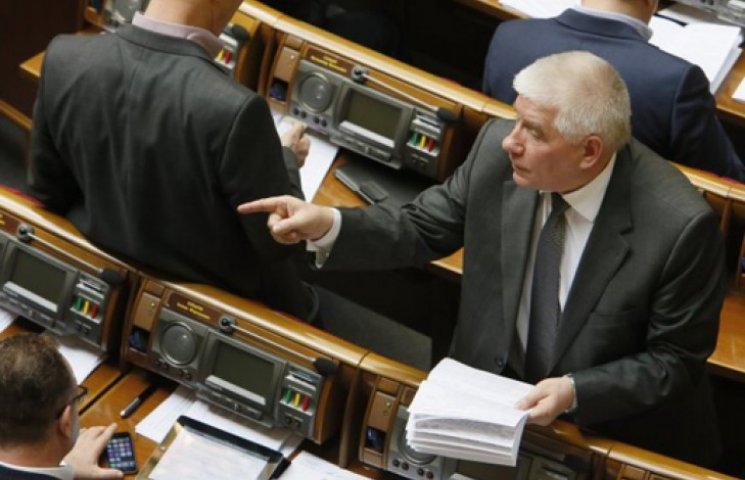Політолог розповів, кому була вигідна смерть Чечетова
