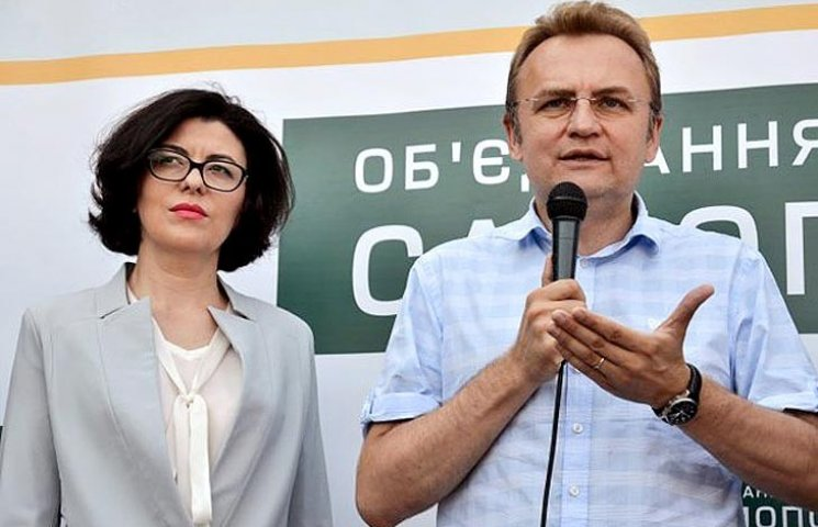 "Порошенко дає ""Самопомочі"" топити себе разом з Яценюком"