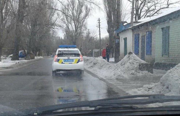 Днепропетровские активисты заставили снять тонировку с патрульных машин