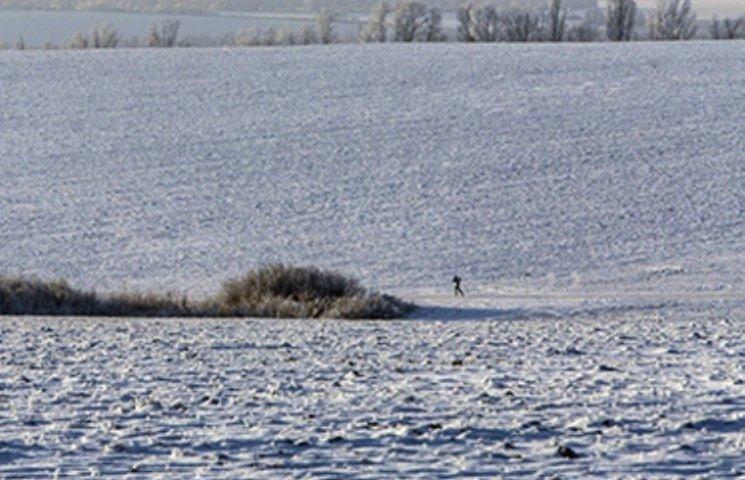 На Миколаївщині тіло безвісті зниклого чоловіка знайшли у полі біля аеродрому