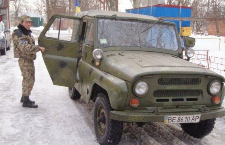 У Первомайську лікарі передали на потреби АТО автомобіль